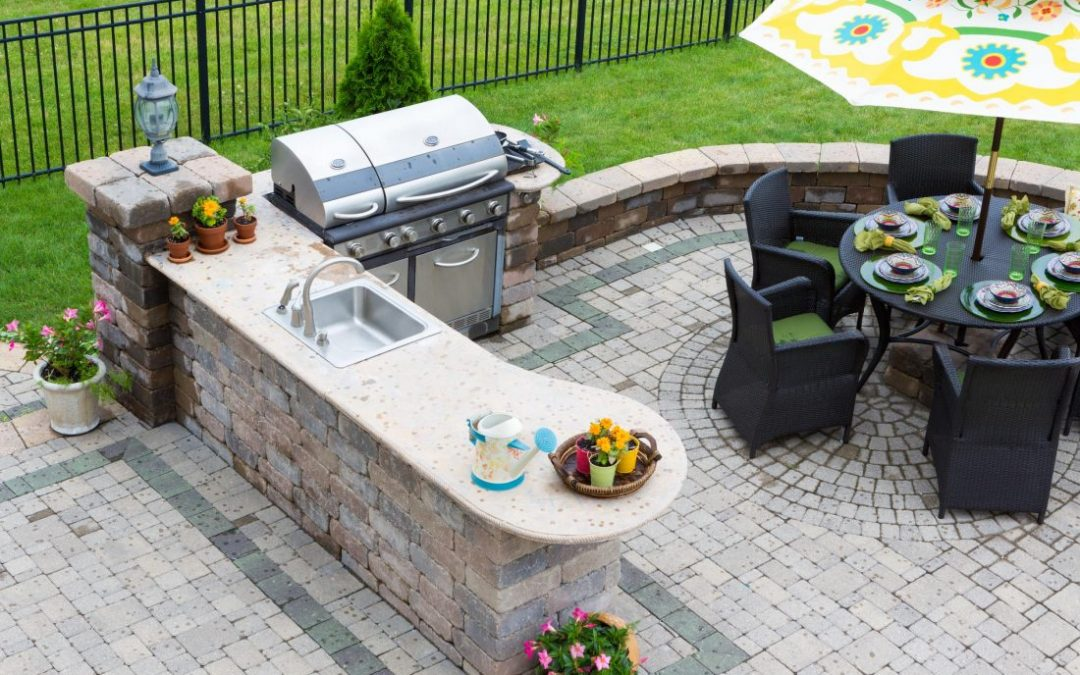 TIPS ON CREATING A DREAMY OUTDOOR LIVING SPACE